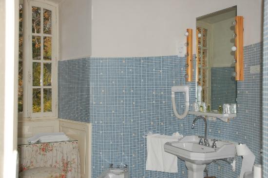 Château d'Ayres : Salle de bains très spacieuse