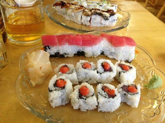 Sushi Atlantic: Charleston Crunch roll and a spicy tuna- yum