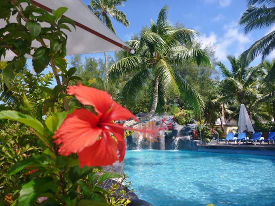 The Rarotongan Beach Resort & Spa: pool area