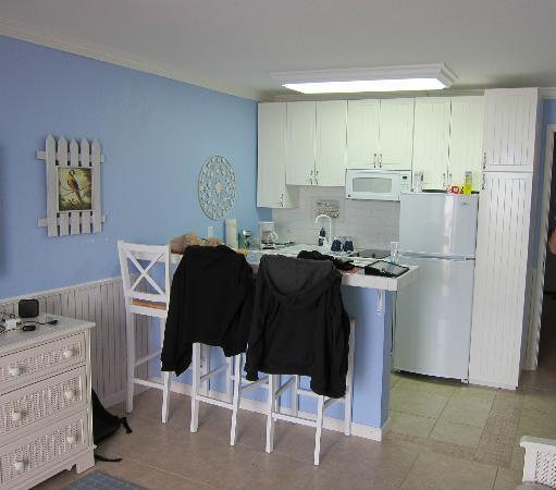 Harbour Beach Resort: Kitchenette within the Livingroom