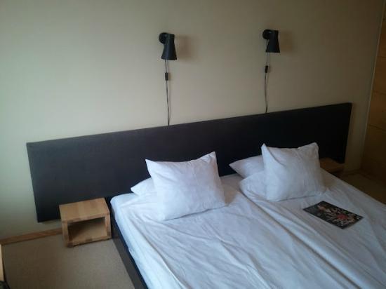 Yasuragi: Sängen i rummet (med tempur madrass)
