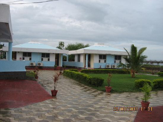 Chilika Lake: OTDC Barkul Panthavivas AC Cottage