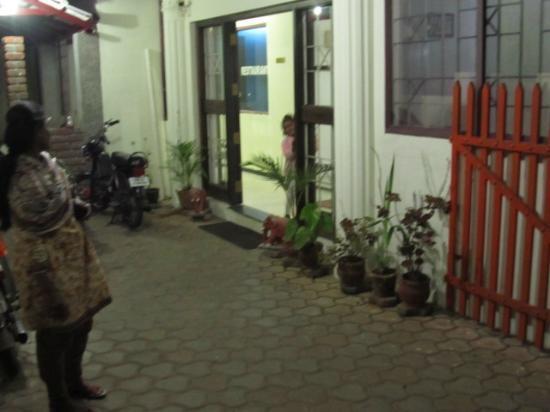 Ponkailash Holiday Home: Entrance