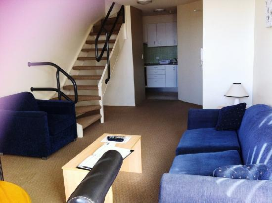 Metro Apartments On Darling Harbour: Living Area