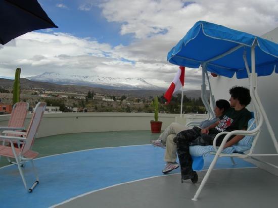 Buena Vista Hostal: Watching the volcanoes in our Mirador