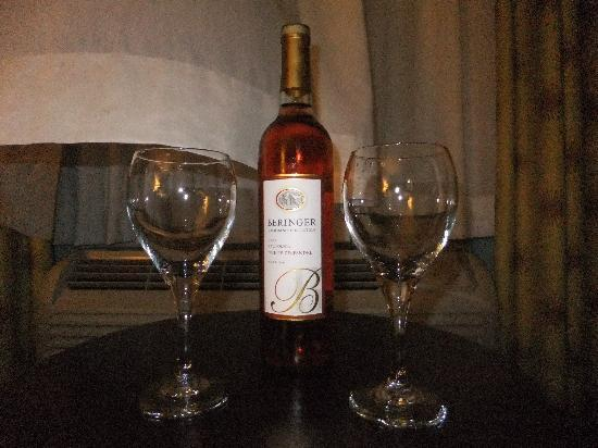 Del Monte Inn: great wine - part of the romance package