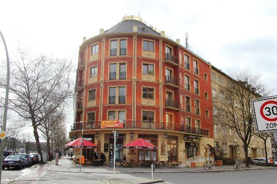 SensCity Hotel Albergo: Die Aussenansicht