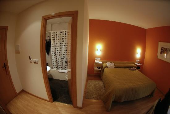 Hotel Puerta Pinares: Habitacion 105