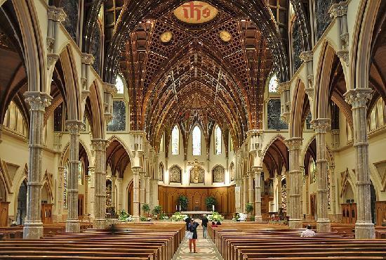 Chicago Catholic Church Tours
