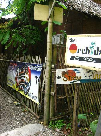 Ocean Breeze Inn Boracay: Final signage.. 3 to 5 minute walk from the Mandala Spa