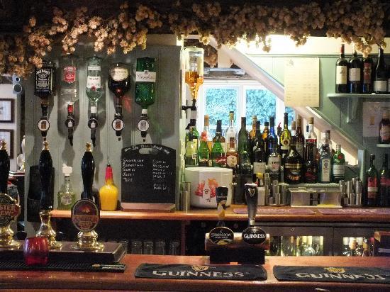 The White Horse Restaurant: Our well stocked bar