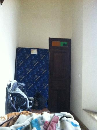 Riad Al Pacha : so-called single room was actually a storage room