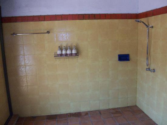 Secret Garden Chiang Mai: Franjipani bathroom