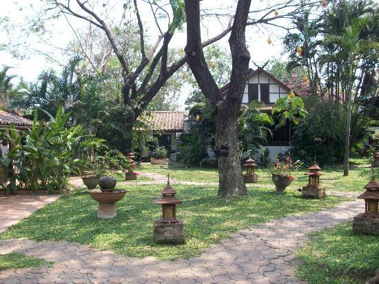 Secret Garden Chiang Mai: Grounds