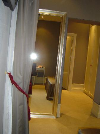 Hotel Ai Due Principi : Effet de profondeur dans la chambre