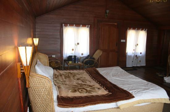 Surya Holidays Kodaikanal : Inside the room