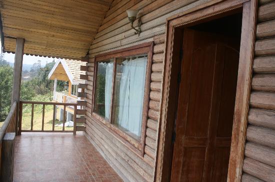 Surya Holidays Kodaikanal: Cocous balcony