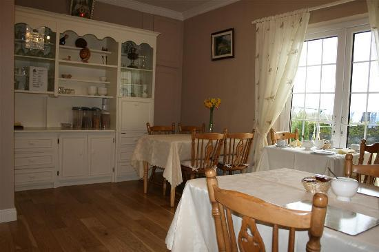 Hillview B&B: Dining room