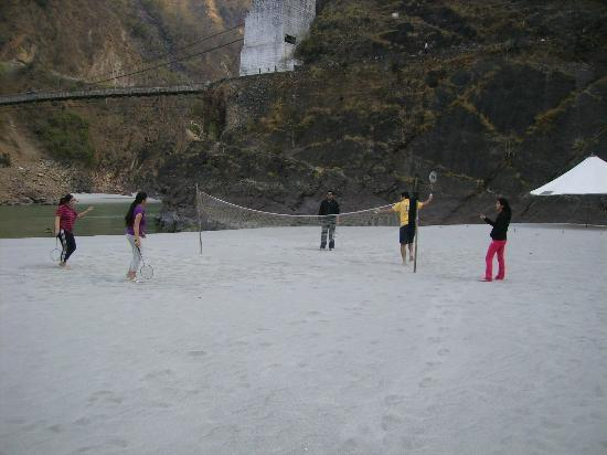 Rishikesh - The Camp 5 Elements by Aspen : Badminton