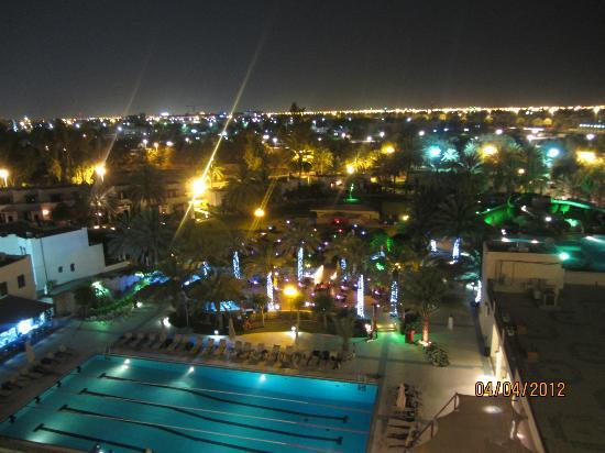 Hilton Al Ain: Evening view from room on 5th floor