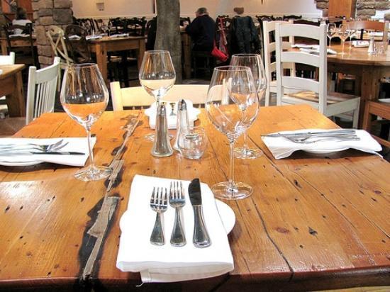 ela! Greek Taverna : Casual yet elegant dining