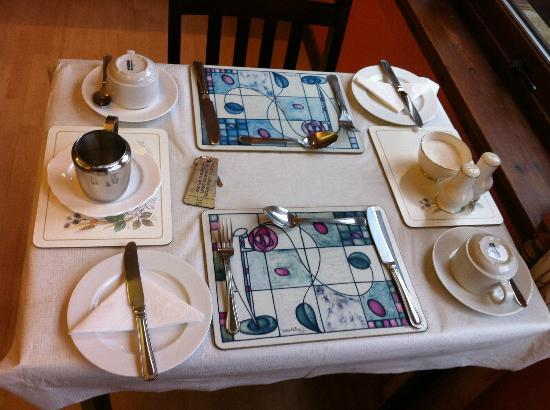Ardross and Glencairn Guesthouse: Table set