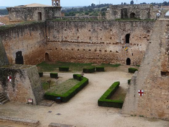 """Castillo de Niebla: """"Patio de Armas"""""""