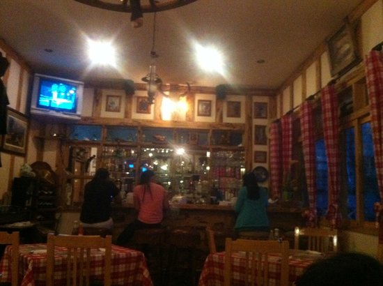 The Ranch: waitress watching TV.. no one faces the customers