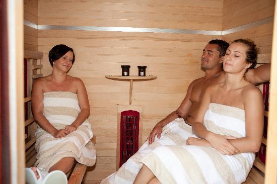 Casa Di Natura: I'm loving the FAR Infrared Sauna