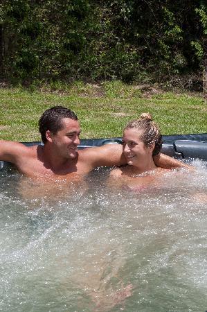 Casa Di Natura: Aahhh how good is this hot tub?