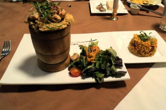 Miramar Cafe La Pared: Chicken Mofongo