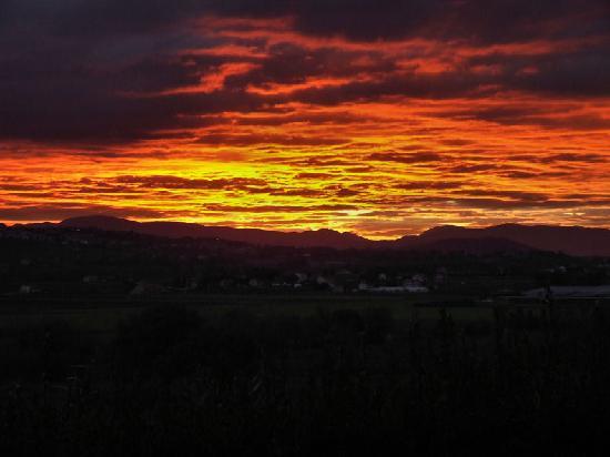 Villa San Nicolino: Fall Sunset