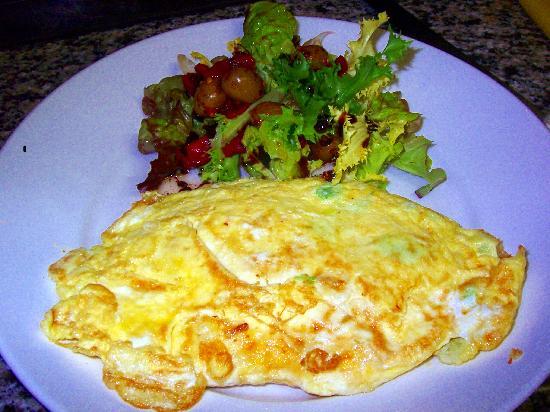 Luigi's Cafe & Pizzeria: Omelette