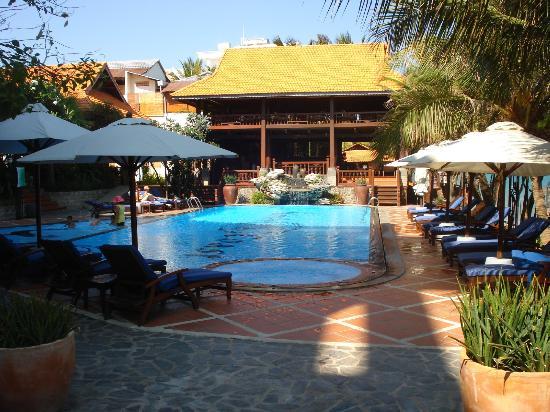 Novela Muine Resort & Spa: Pool area