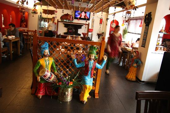 Om Restaurant & Bar: Interior