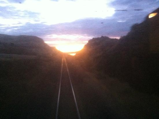 Coast Starlight: Sunrise (actually on the Empire Builder)