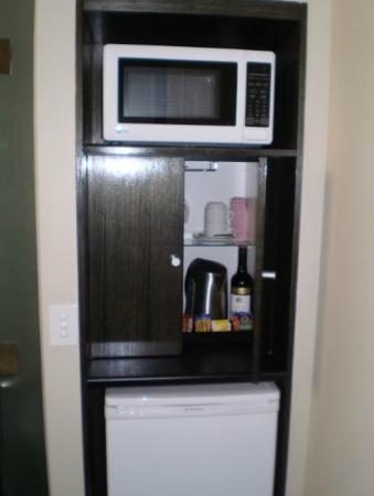 The George Hotel: Mini bar, fridge and microwave if needed