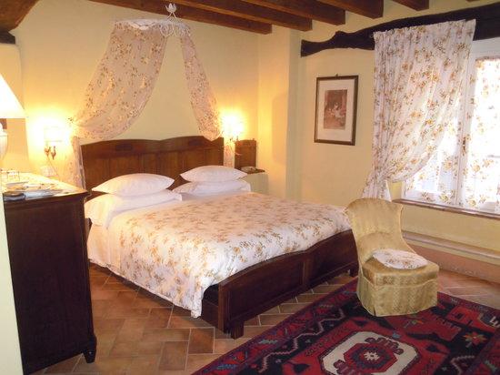 Casa In Castello Maison de Charme B&B: Suite delle rose