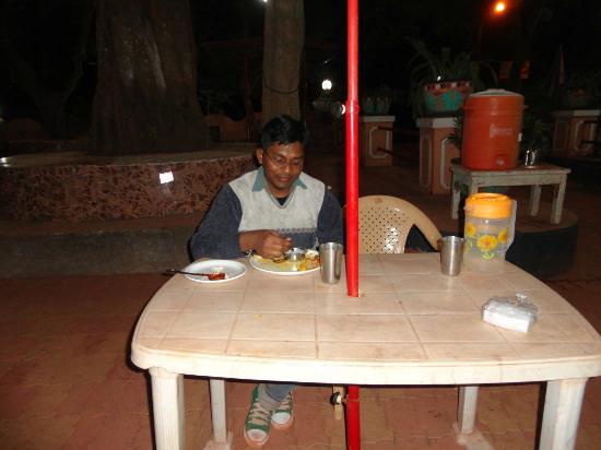 Sayeban Hotel: dinner's starters in night