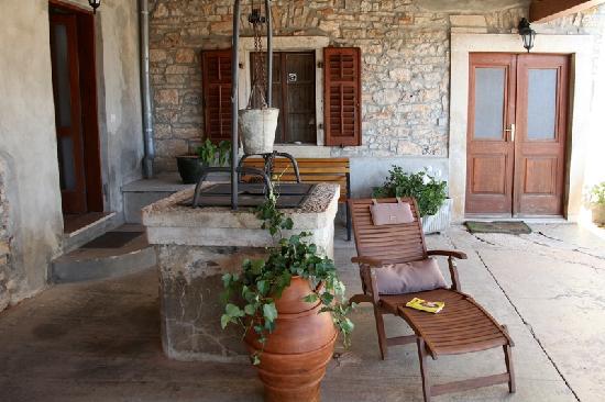 Agroturizam Stelio: zona relax nell cortile
