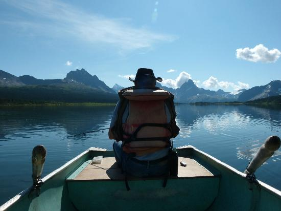 Tonquin Adventures: Fishing Amethyst lake