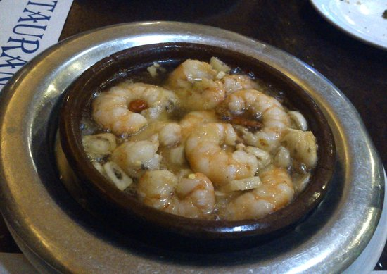 El Pilon: fried shrimps in garlic-something, not very fried either