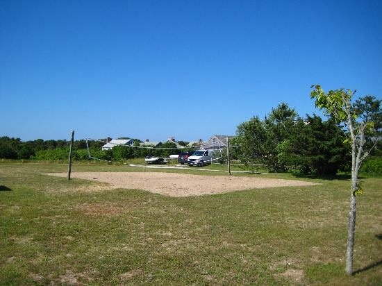 Star of the Sea Hostel: Volleyball Court