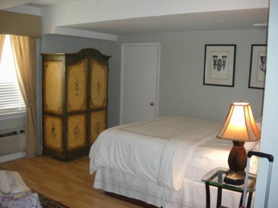Bradley Park Hotel: Room 202