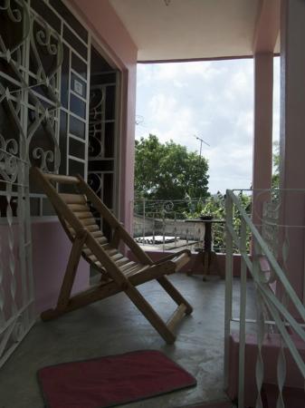 Casa Particular Ridel y Claribel: Le balcon de la chambre indépendante d'où on peut voir le coucher de soleil