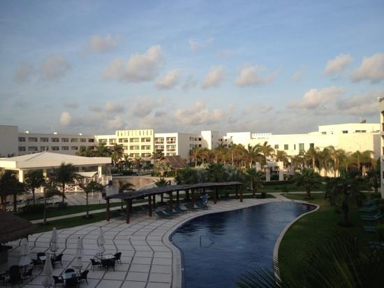 Secrets Silversands Riviera Cancun: view from the hallway