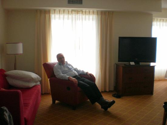 Residence Inn Toronto Mississauga/Meadowvale : Qualify furniture A recliner for more comfort