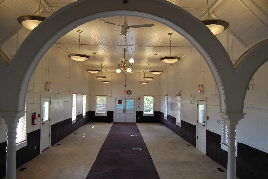 Abbotsford Gur Sikh Temple: Interior for the prayer hall