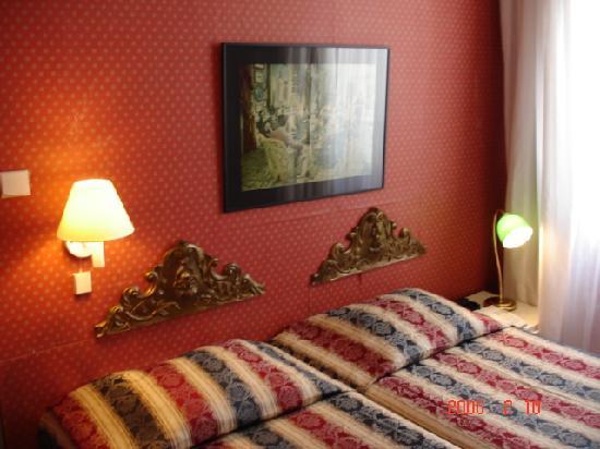 Hotel Agora: chambre twin