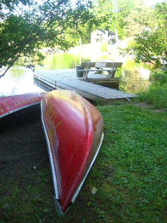 HI Mont-Tremblant: Free canoes